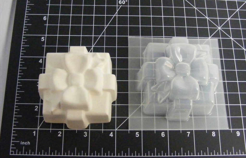holiday gift bath bomb mold