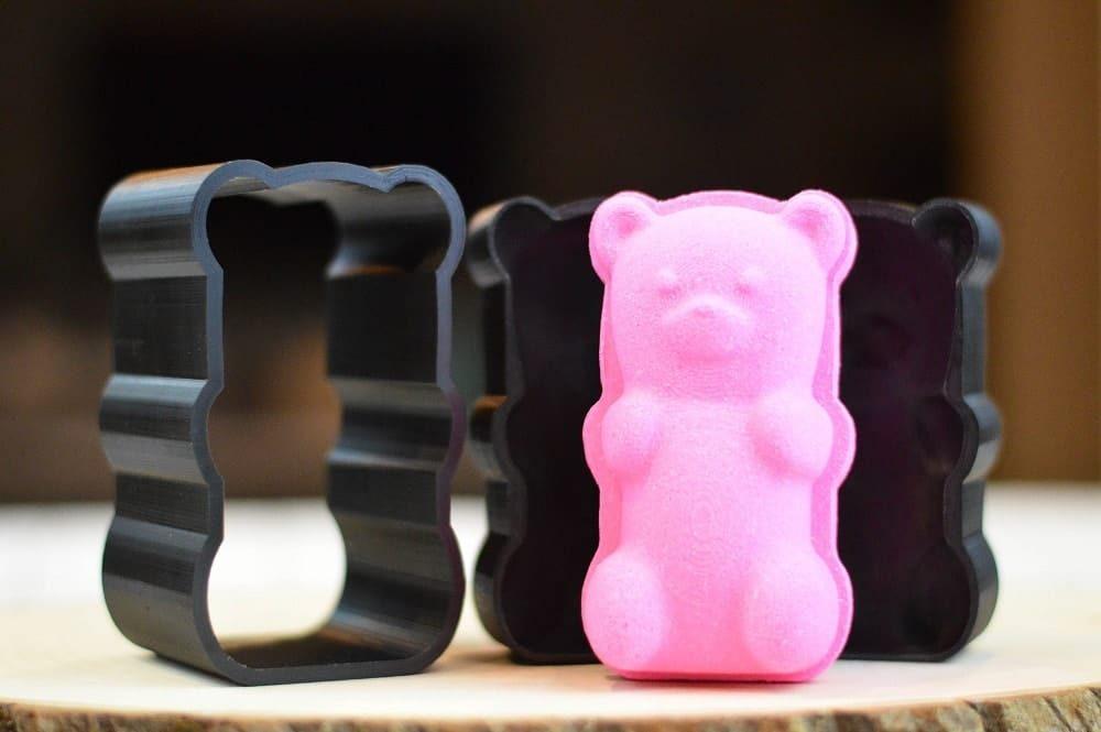 interesting bath bomb mold shaped as gummy bear