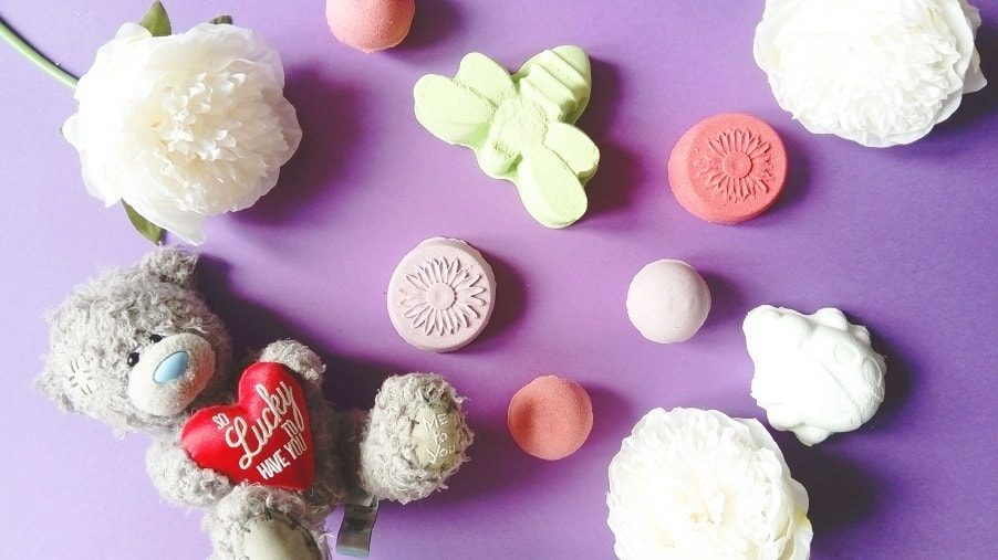 How To Make Bath Bombs For Kids Easy Safe Recipe Diy