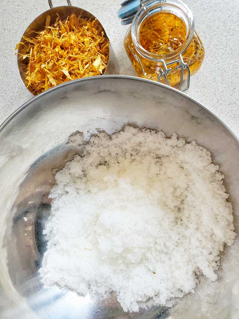 mixing calendula oil with Epsom salts
